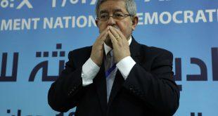 Le chevalier Ouyahia, nous avertit de Tizi Ouzou:»les Algériens doivent rester vigilants»!